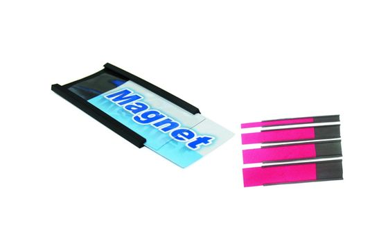 Magnetický C-profil s papierom a priehľadnou fóliou